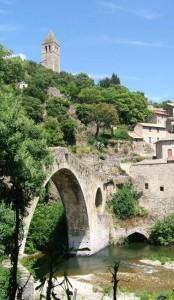 olargues2 174x300 Le village médiéval dOlargues aux portes de Saint Chinian