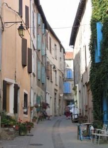 olargues4 218x299 Le village médiéval dOlargues aux portes de Saint Chinian