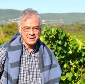 closdescalades jean paul cases 1 300x296 Clos des Calades   AOC Languedoc