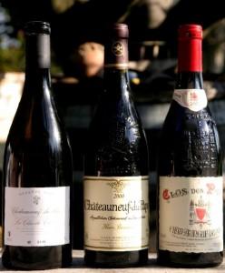 clox 248x300 Henri Bonneau 2000, Clos des Papes 2001 et Réserve 2006 du Clos du Caillou côte à côte