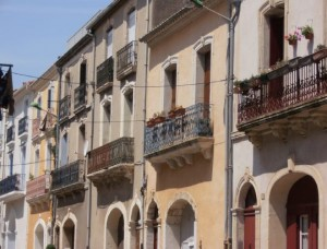 meze maisonvigneronne2 300x228 Mèze petit port sur létang de Thau au carrefour des crus du Languedoc