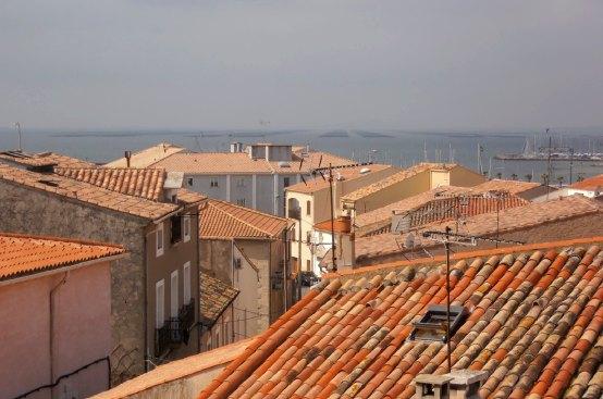 mezetoit Mèze petit port sur létang de Thau au carrefour des crus du Languedoc
