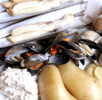 couteau escargot Lirac blanc La Rocalière 2011 et fruits de mer cuits